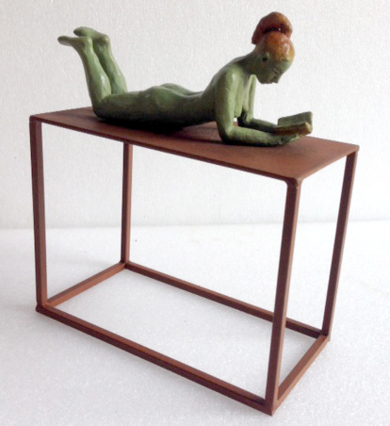 Un buen libro - tumbada|EsculturadeCharlotte Adde| Compra arte en Flecha.es