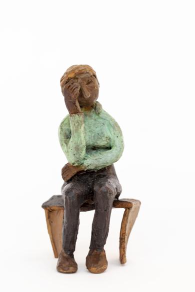 Espera que se le pase.  Serie Los que esperan|EsculturadeAna Valenciano| Compra arte en Flecha.es