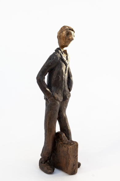 Espera coger algún tren.  Serie Los que esperan|EsculturadeAna Valenciano| Compra arte en Flecha.es