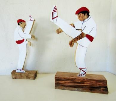 Aurresku|EsculturadeMiguel Costales| Compra arte en Flecha.es