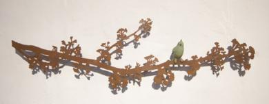 Rama de Ginkgo con pájaro|EsculturadeCharlotte Adde| Compra arte en Flecha.es