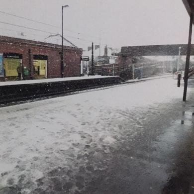 snowing│acid-free photo paper│printed in the UK│pine thick border│Original|FotografíadeJHIH YU CHEN| Compra arte en Flecha.es