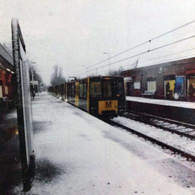 snowing2│acid-free photo paper│printed in the UK│pine thick border│Original|FotografíadeJHIH YU CHEN| Compra arte en Flecha.es