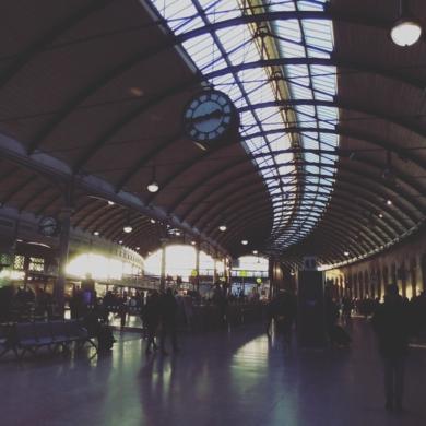 Summer Station│Acid-free photo paper│Printed in the UK│Pine thick border│Original|FotografíadeJHIH YU CHEN| Compra arte en Flecha.es