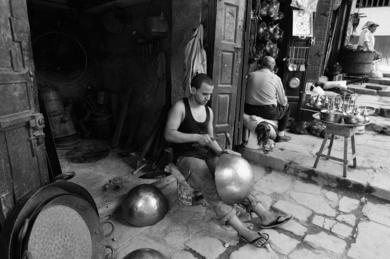 © Título: A Fez|FotografíadeRICHARD MARTIN| Compra arte en Flecha.es