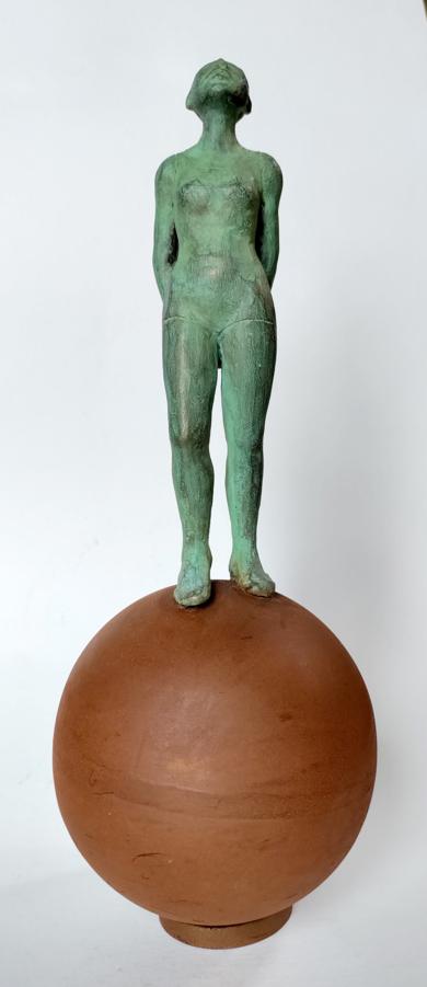 Mirando|EsculturadeCharlotte Adde| Compra arte en Flecha.es