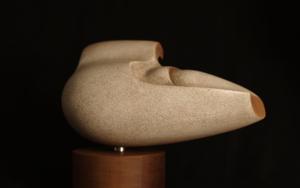 MUJER CON VELO|EsculturadeRafael Heredia| Compra arte en Flecha.es