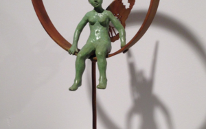 Con alas|EsculturadeCharlotte Adde| Compra arte en Flecha.es