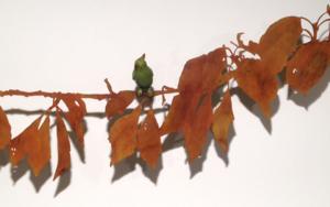 Rama con hojas y pájaro|EsculturadeCharlotte Adde| Compra arte en Flecha.es
