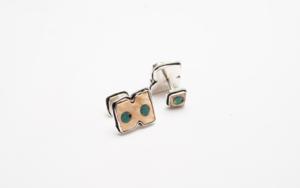 Gemelos de plata 950, concha Strombus y turquesa|JoyeríadeEster Ventura| Compra arte en Flecha.es