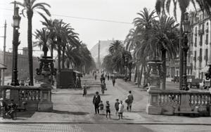 BARCELONA - PASEO COLÓN|FotografíadeADOLFO ZERKOWITZ| Compra arte en Flecha.es
