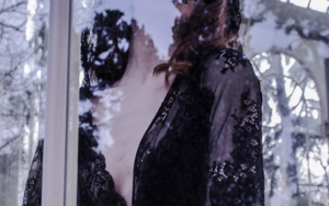 Under the veil II|FotografíadeRena Von Caustic| Compra arte en Flecha.es