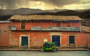 Blue door  #14,  Lampa,  Peru,  2019|FotografíadeAndy Sotiriou| Compra arte en Flecha.es