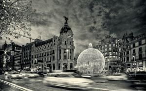Metropolis building at Christmas,  Madrid,  Spain|FotografíadeAndy Sotiriou| Compra arte en Flecha.es