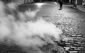 Steam heat,  NYC, USA FotografíadeAndy Sotiriou  Compra arte en Flecha.es