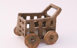 El carrito del súper.  SERIE PARQUE MÓVIL:JUGUETES PARA ADULTOS EsculturadeAna Valenciano  Compra arte en Flecha.es