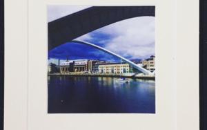 Millennium Bridge│British landscape│acid-free photo paper│printed and produced │Made in the UK FotografíadeJHIH YU CHEN  Compra arte en Flecha.es