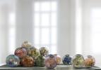 Esferas en hotel | Fotografía de Leticia Felgueroso | Compra arte en Flecha.es