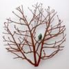 Castaño pequeño con pájaro | Escultura de Charlotte Adde | Compra arte en Flecha.es