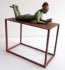 Un buen libro - tumbada | Escultura de Charlotte Adde | Compra arte en Flecha.es